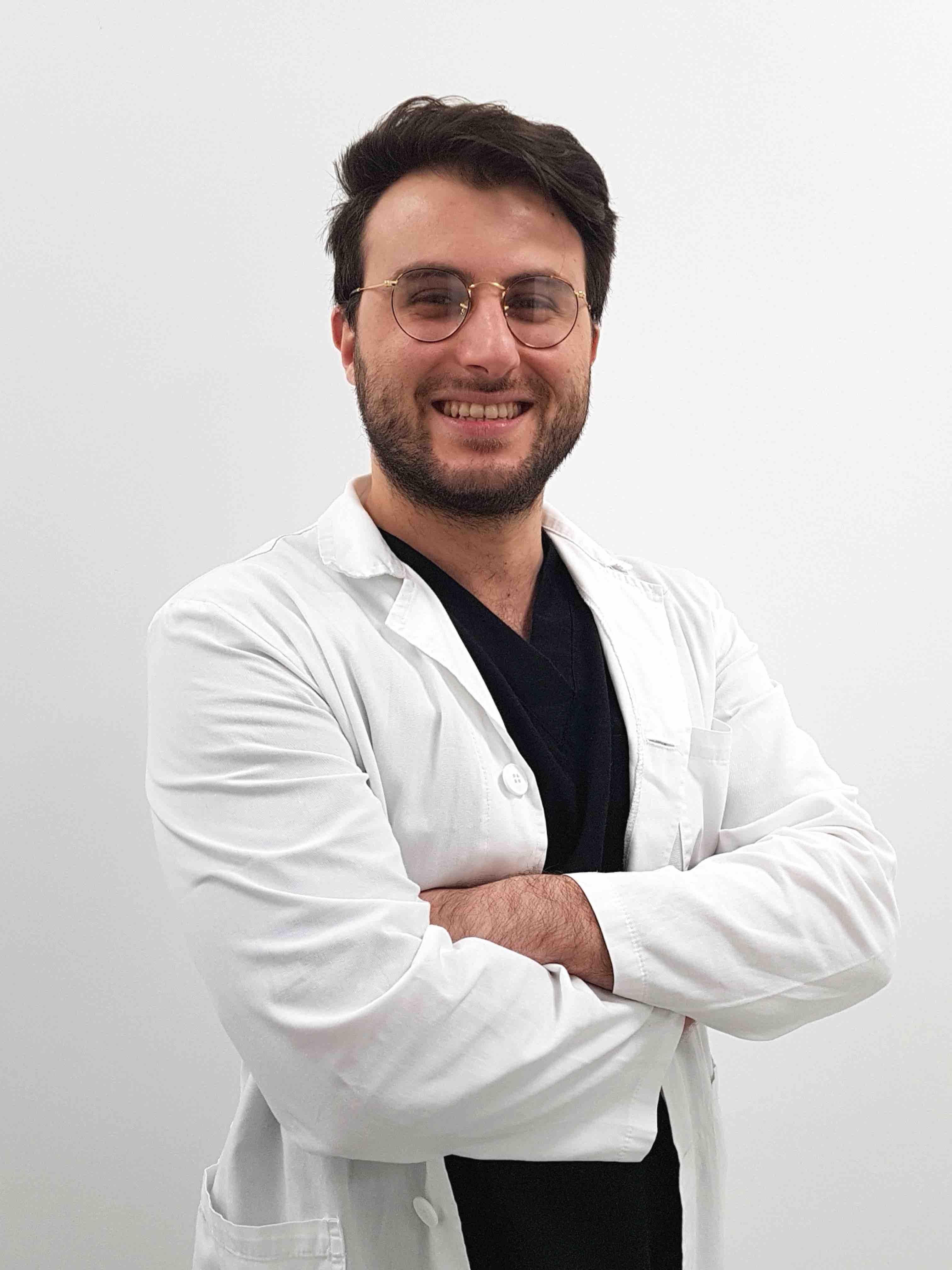 Dottore Dentista Gianluca Pinzarrone