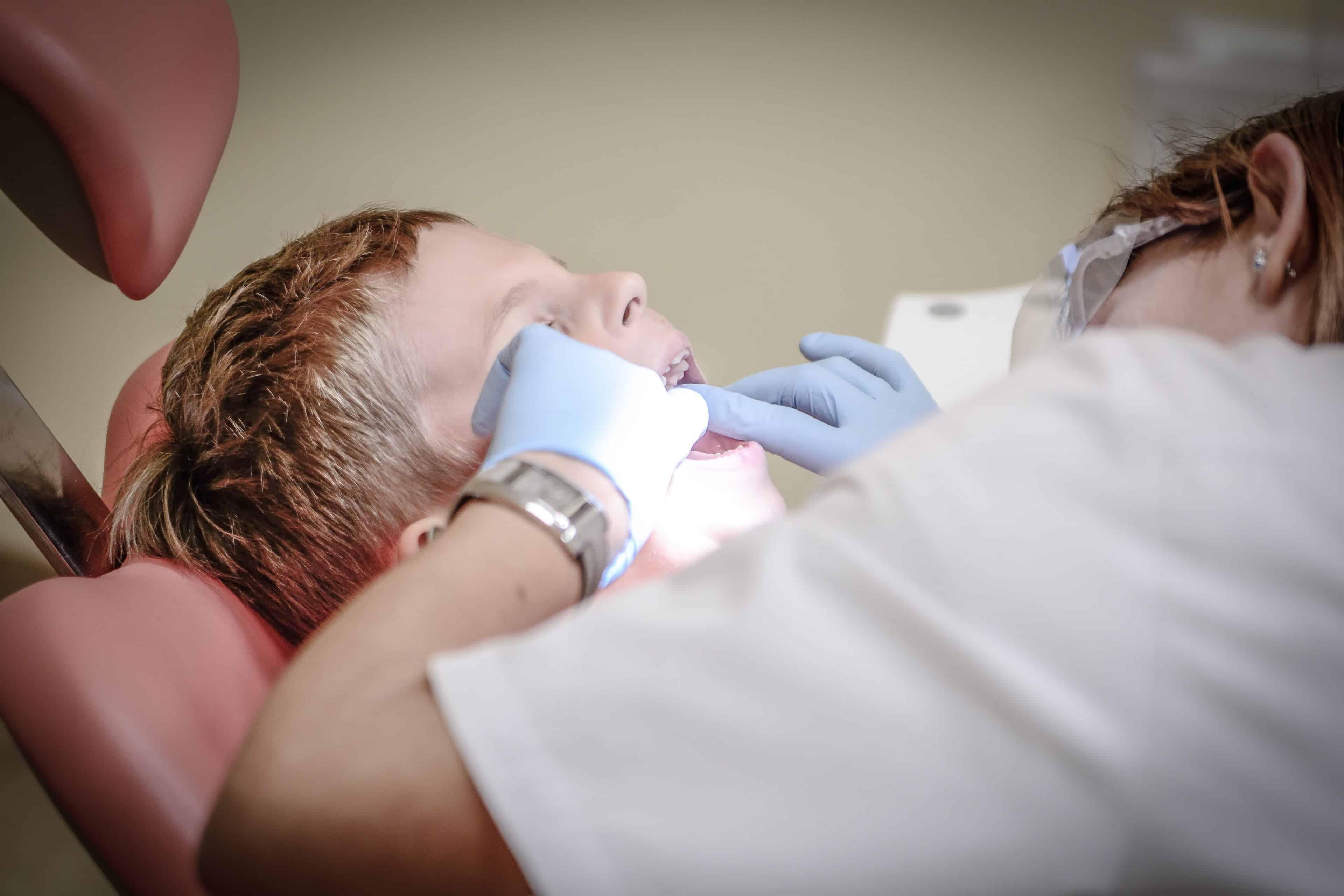 Bambino ortodonzia pediatrica